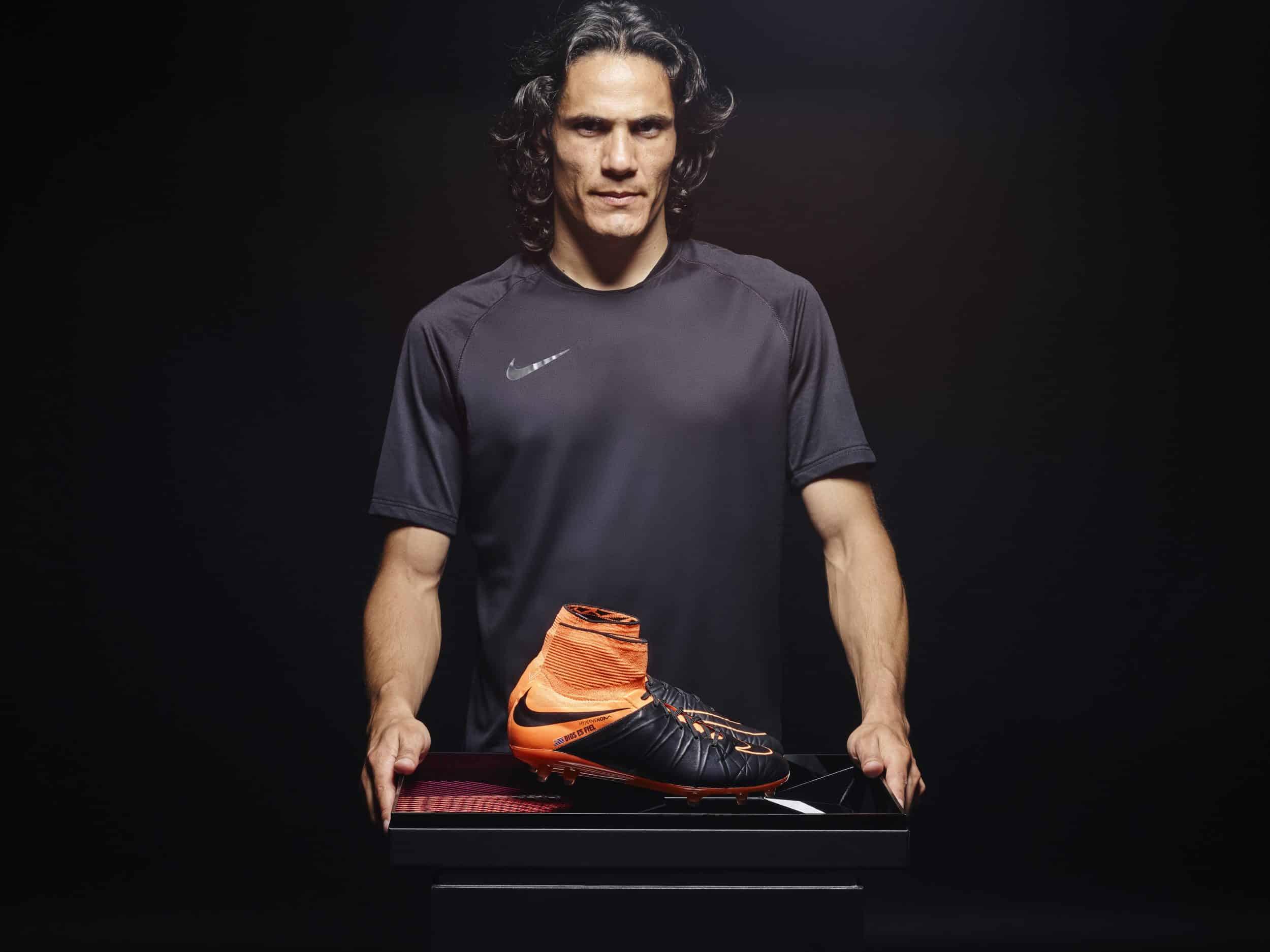 Les chaussures de foot de la carrière d'Edinson Cavani