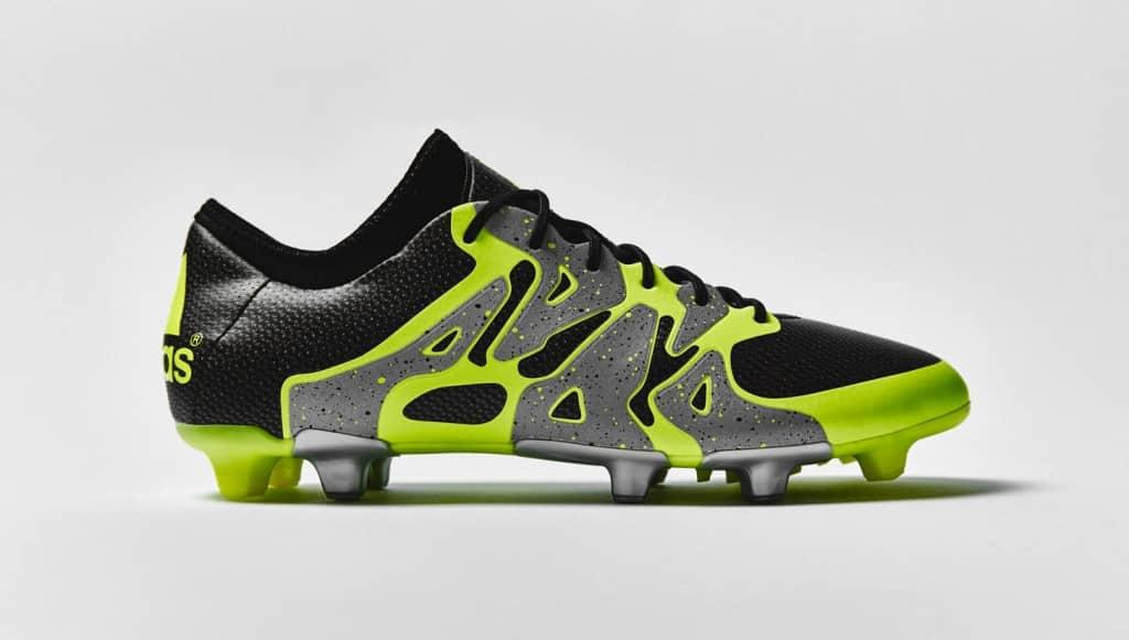 chaussure-football-adidas-X15-noir-jaune-argent