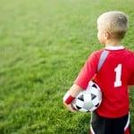 Guide : comment bien choisir des chaussures de football pour enfant