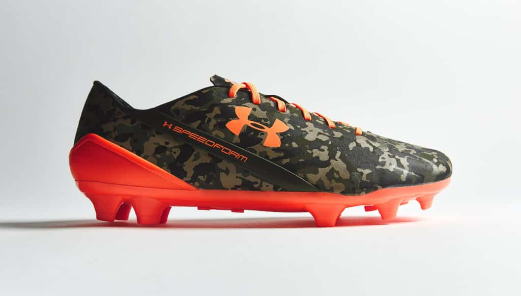 chaussure-football-under-armour-speedform-camouflage-orange