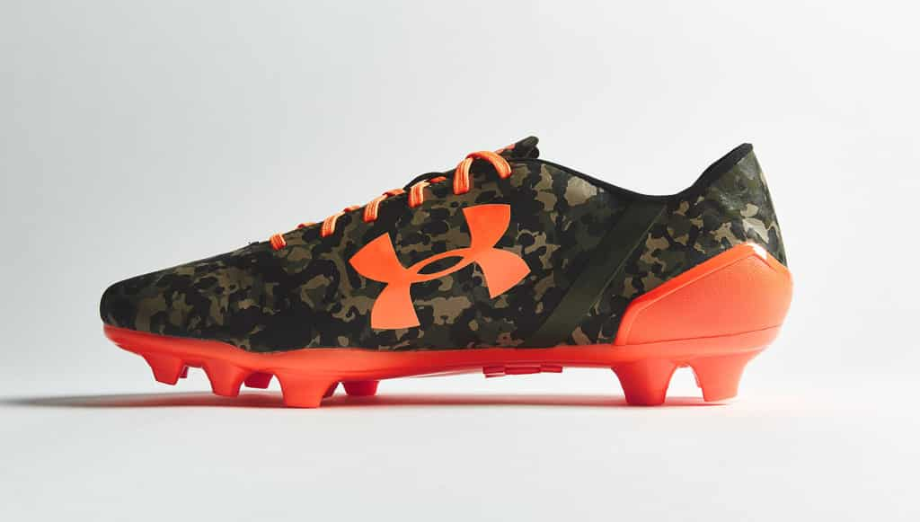 chaussure-football-under-armour-speedform-camouflage-orange-2
