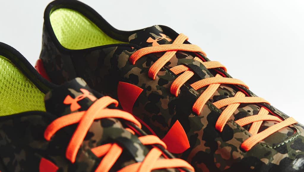 chaussure-football-under-armour-speedform-camouflage-orange-5