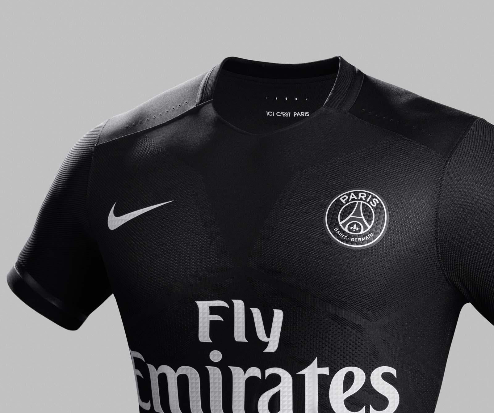 A quelques jours de la fin de la saison, Nike vient de présenter les nouveaux maillots du Paris Saint-Germain pour la saison 2015-2016.