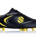La première chaussure de football spéciale «pointus»!