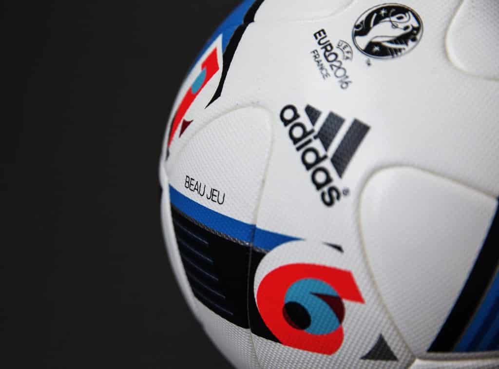 ballon-football-adidas-beau-jeau-euro-2016