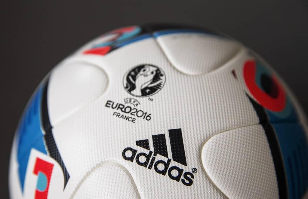 ballon-football-adidas-beau-jeau-euro-2016-4