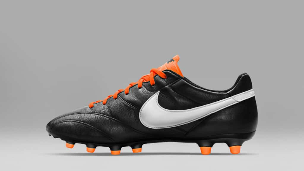 chaussure-football-Nike-Tiempo-Legends-Premier-Pack-noir-orange