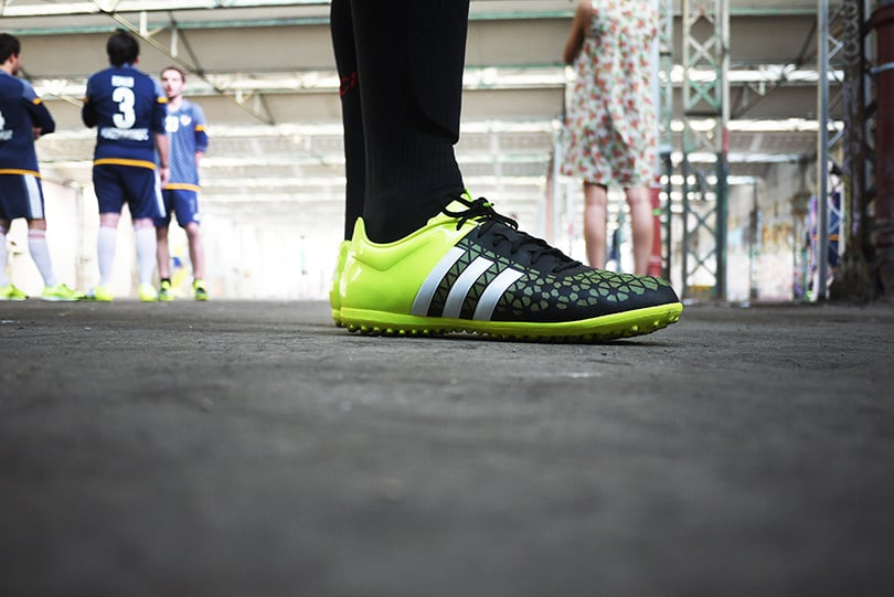 chaussure-football-adidas-15.3-Turf