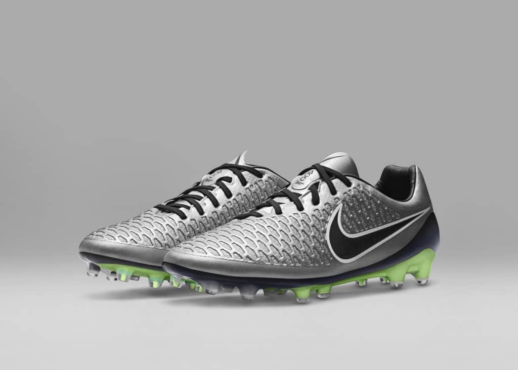 chaussure-football-nike-magista-opus-liquid-chrome