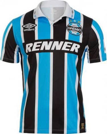 Afin de célébrer les 20 ans de la victoire du Gremio en Libertadores, le club brésilien et Umbro ont dévoilé un maillot hommage.