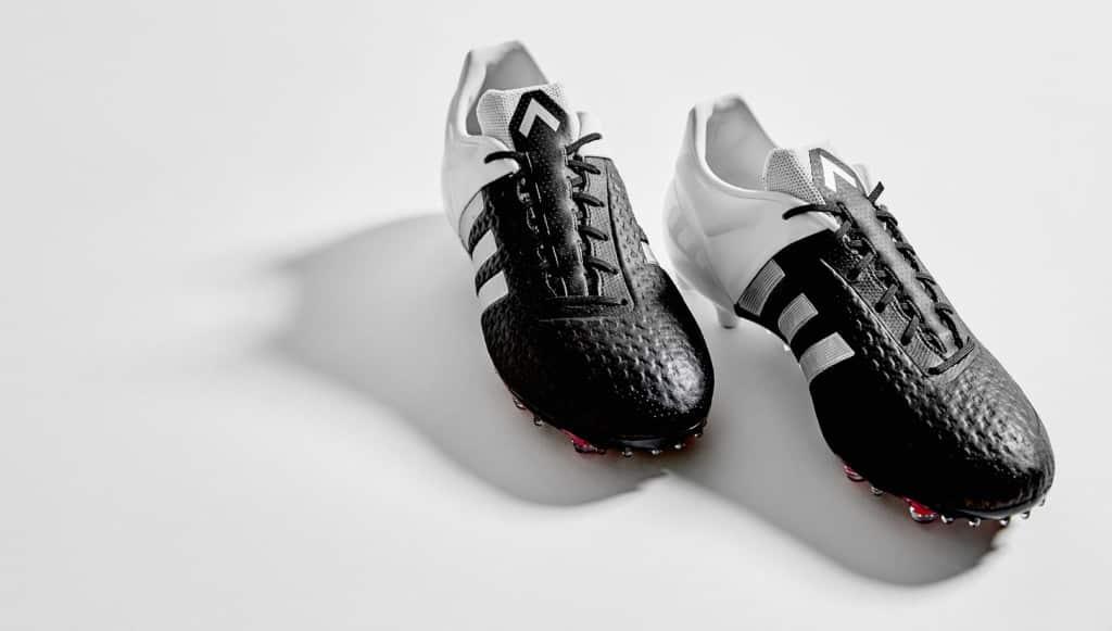 chaussure-adidas-football-ACE15-primeknit-noir-blanc-2