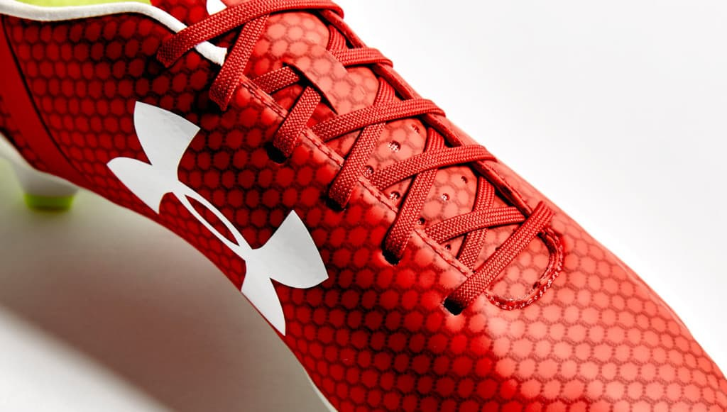 chaussure-foot-under-armour-speeform-rouge)