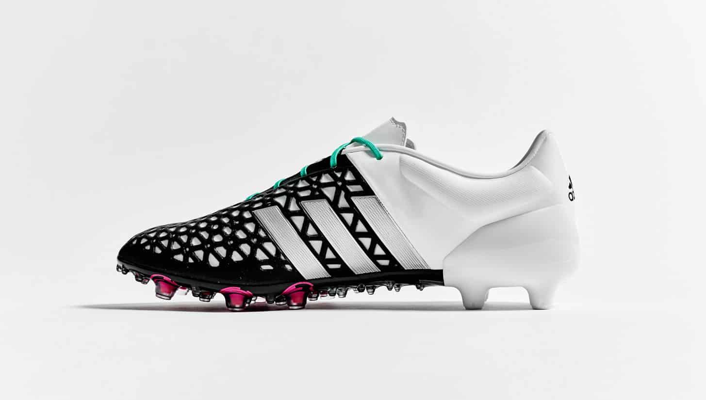 chaussure-football-adidas-ace-noir-blanc-argent-2015-2