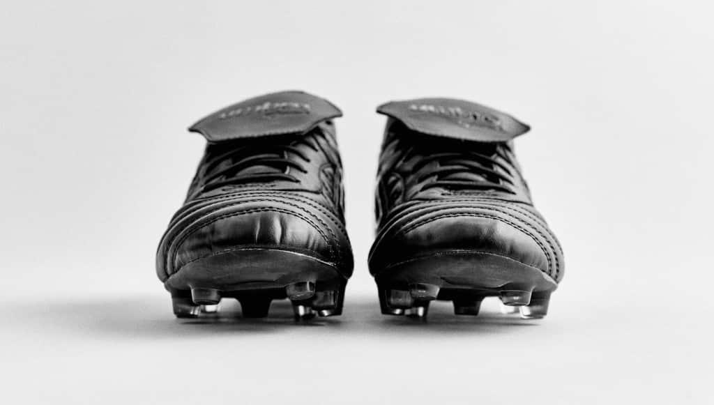 chaussure-football-umbro-speciali-noir-noir-2