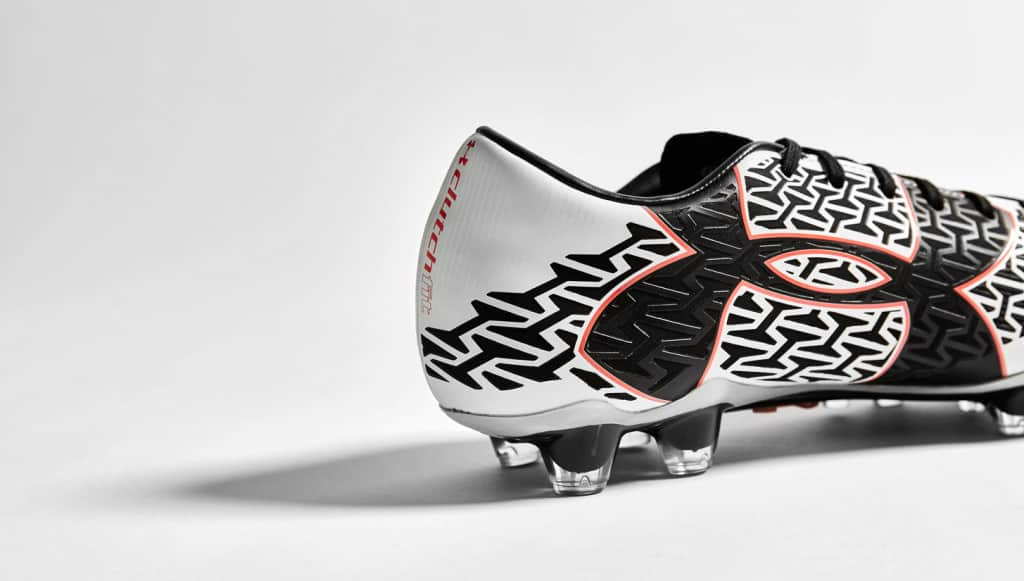 chaussure-under-armour-clutchfit-2-noir-blanc-4