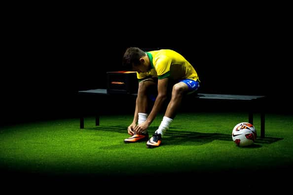 chaussure-football-neymar-nike-hypervenom-1-2