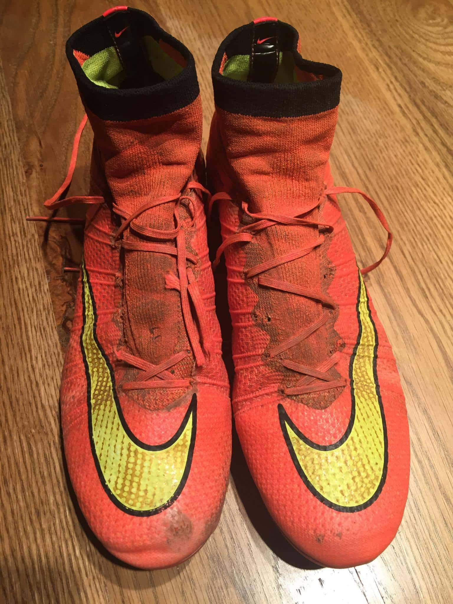 chaussure foot montante nike