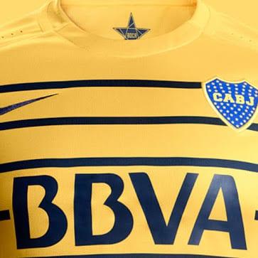 Champion d'Argentine en titre, Boca Juniors et Nike viennent de dévoiler les nouvelles tenues du légendaire club de Buenos Aires pour 2016/17.