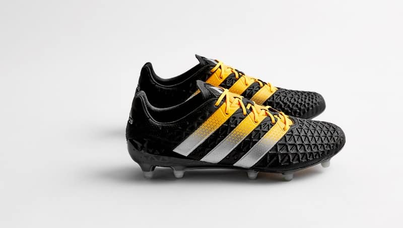 chaussure-football-adidas-ace-16-black-gold-4