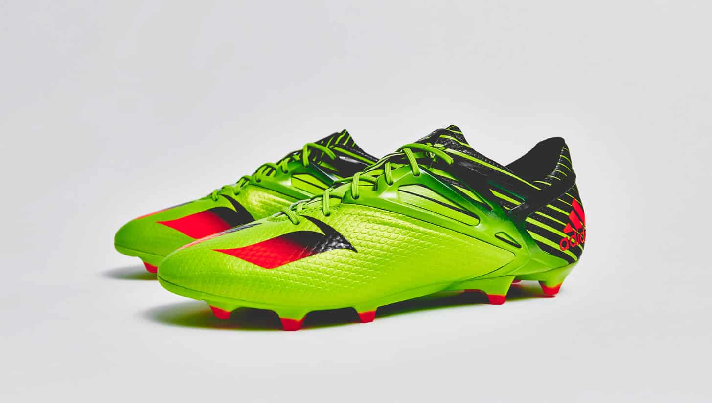 crampons foot adidas messi