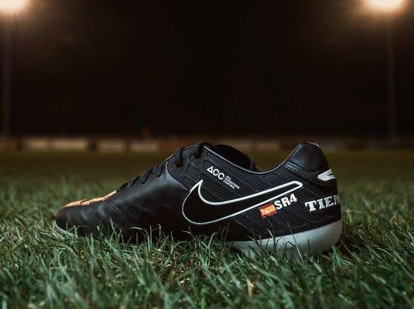 chaussure-football-nike-tiempo-id-Ramos-1