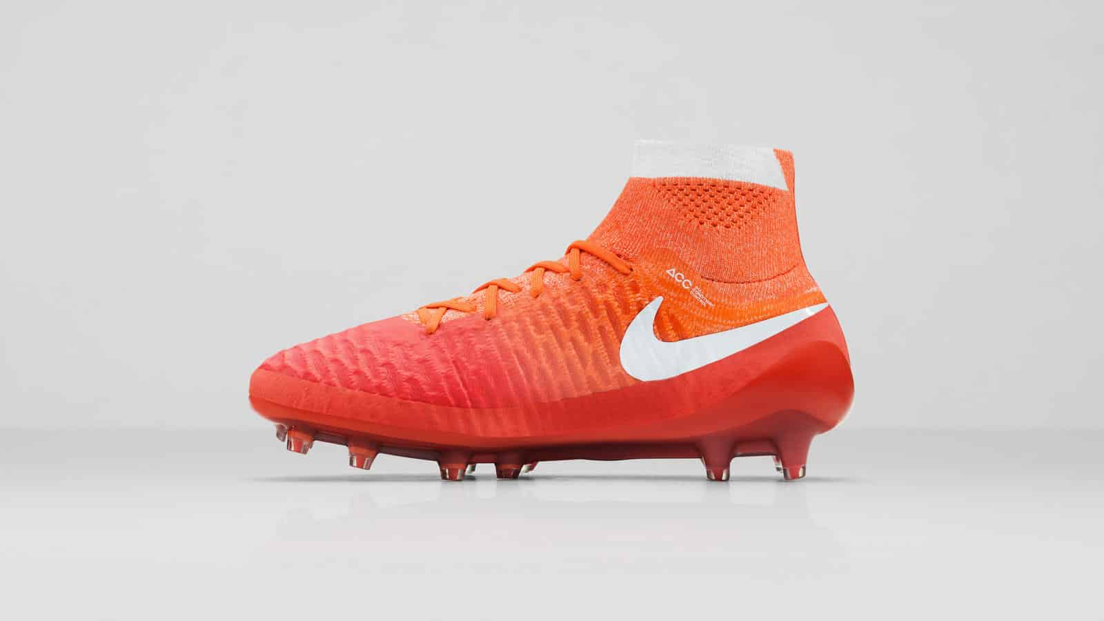 chaussure-foot-nike-2016-femme-pack-radiant-magista