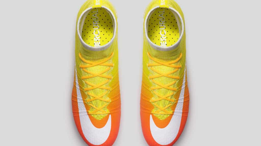 chaussure-foot-nike-2016-femme-pack-radiant-mercurial-3