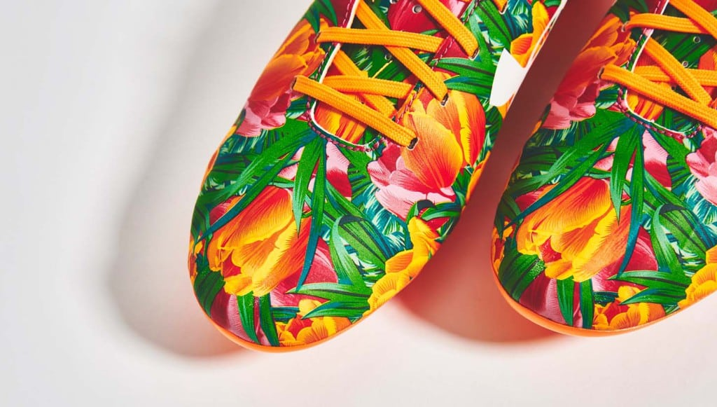 chaussure-foot-under-armour-memphis-depay-tutti-frutti