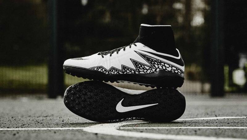 chaussure-football-nike-hypervenom-x-proximo-blanc-noir-2