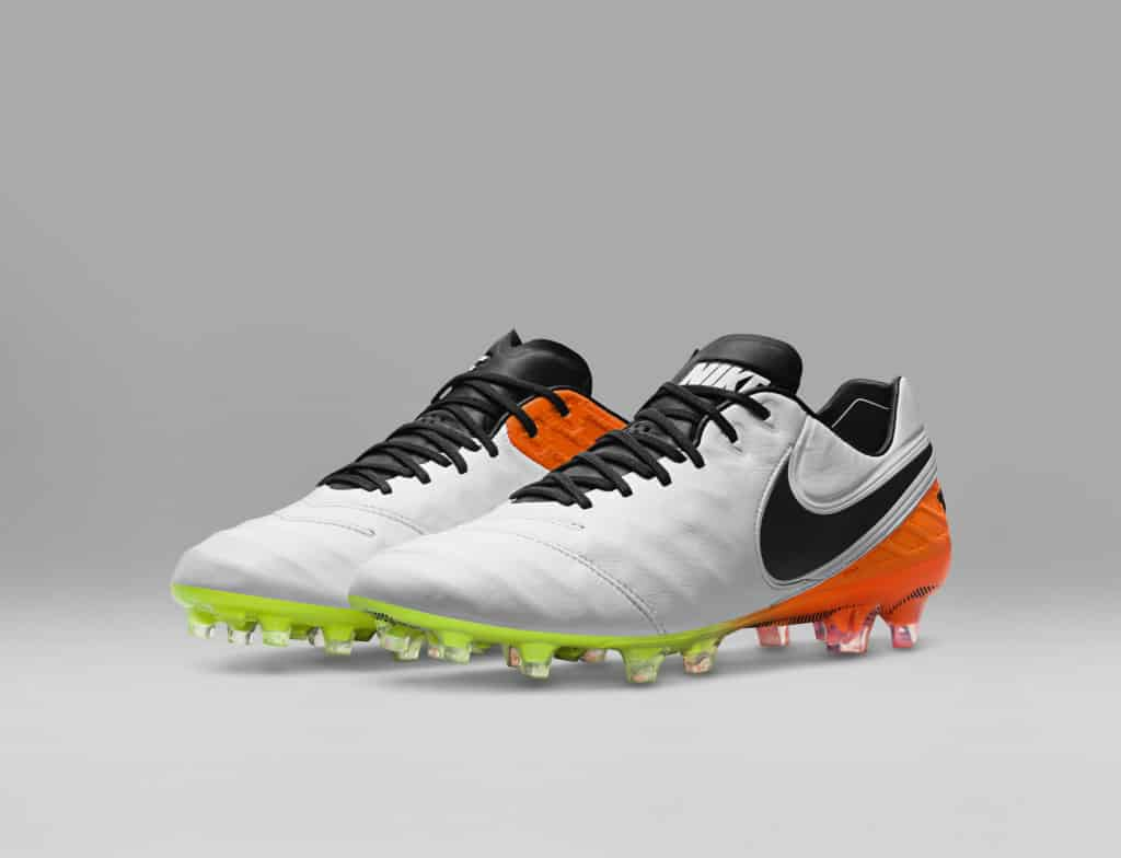 chaussure-football-nike-tiempo-6-pack-white-reveal-5