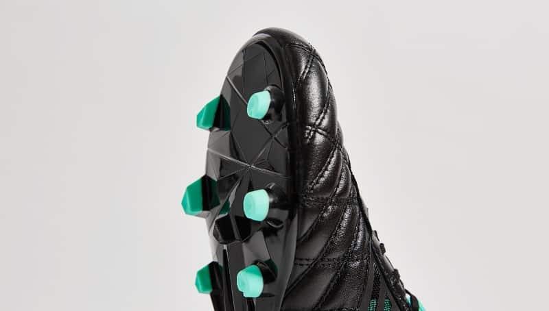 chaussure-football-umbro-medusae-black-2