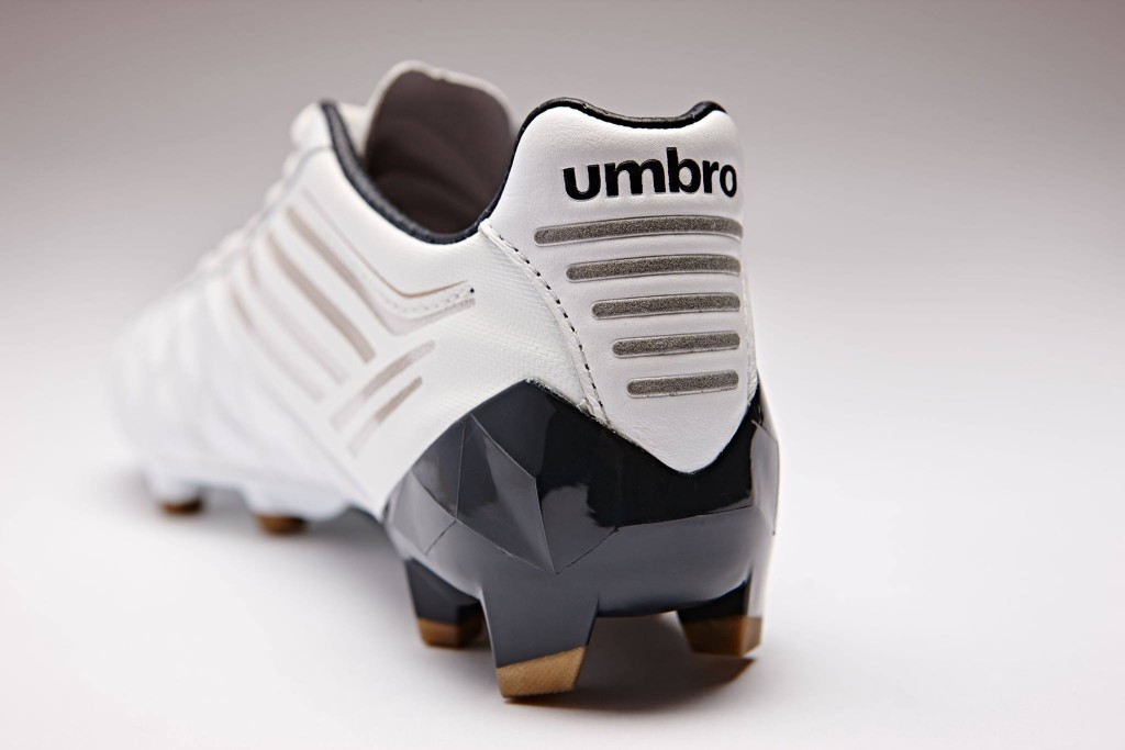 chaussure-football-umbro-medusae-blanc-3