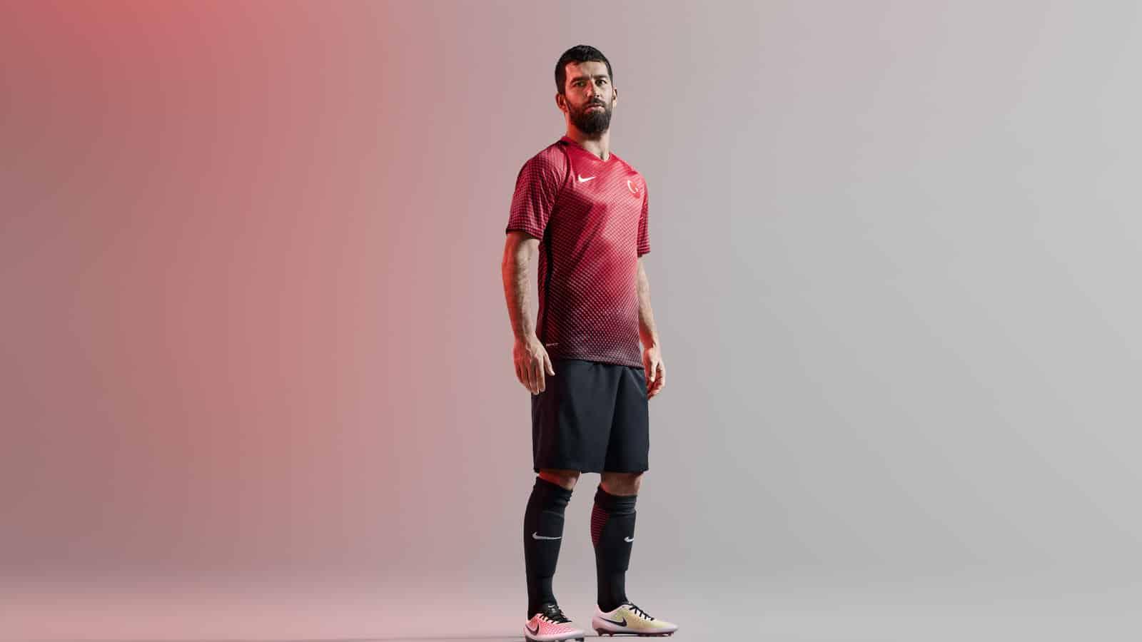 maillot-domicile-turquie-euro-2016-arda-turan