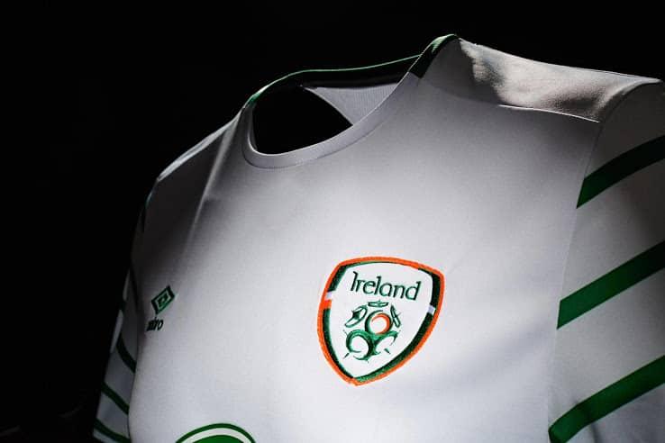 maillot-exterieur-irlande-euro-2016-umbro-2