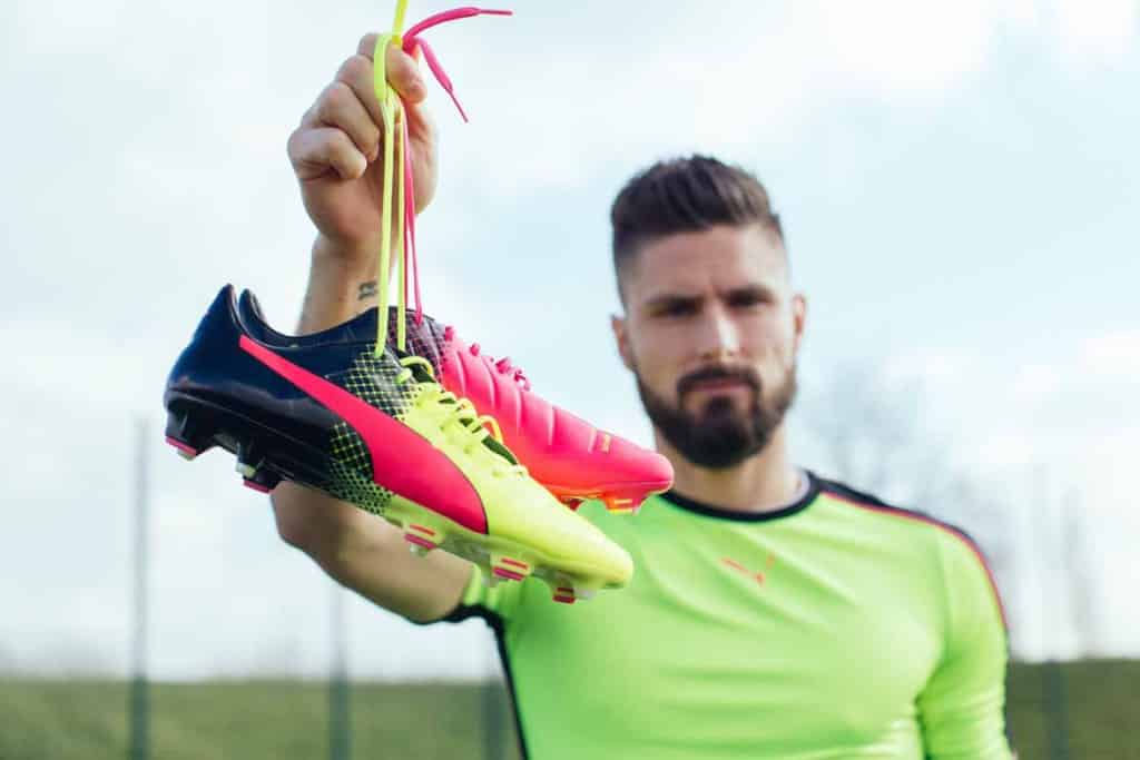 Giroud evoPOWER Tricks Euro 2016