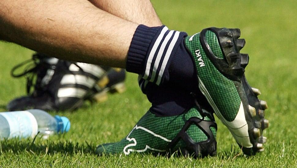 chaussure-football-puma-v-1-06-grass-maki-1