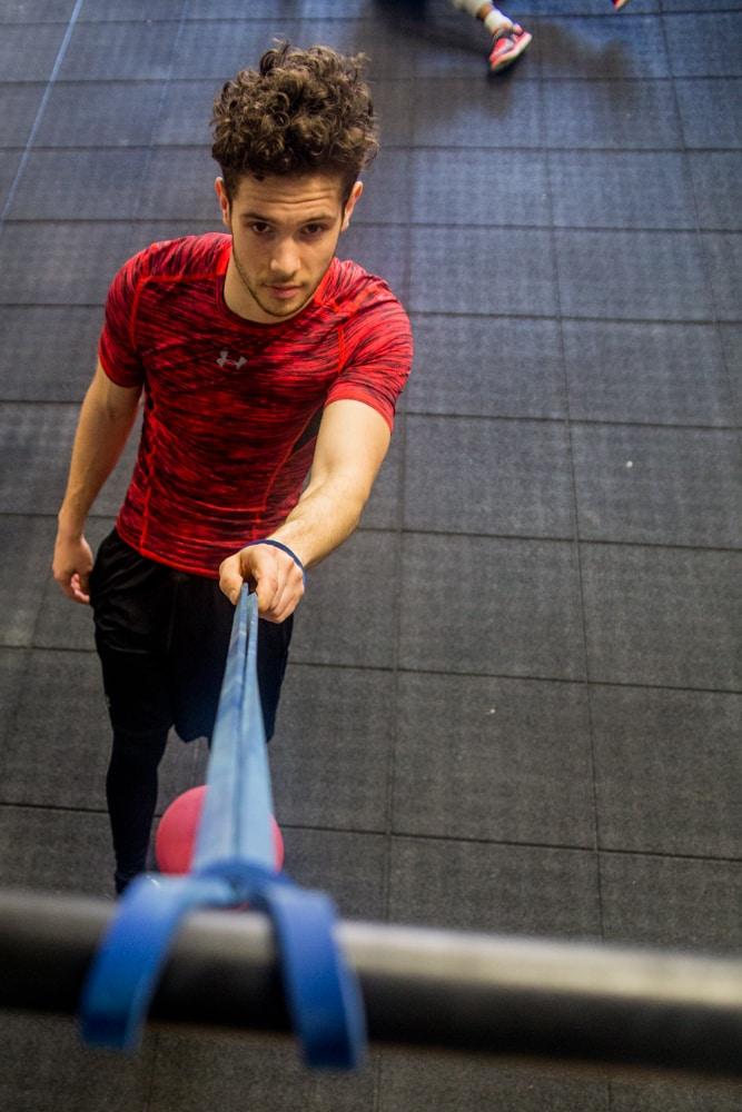 exercice-musculation-footballeurs-under-armour-1