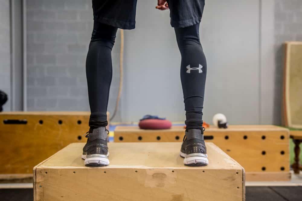 exercice-musculation-footballeurs-under-armour-2