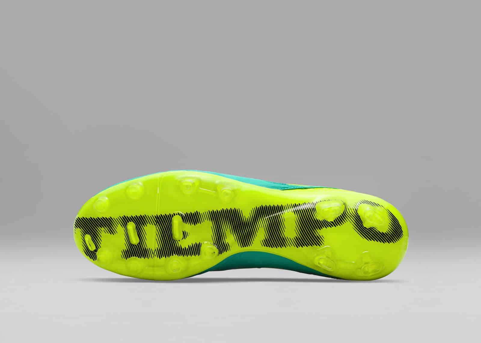 chaussure-football-nike-tiempo-euro-2016