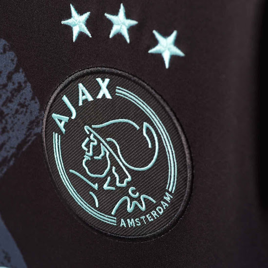 maillot-exterieur-ajax-amsterdam-2016-2017-logo