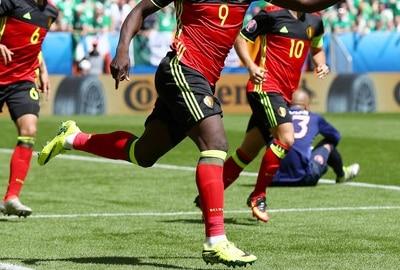 chaussure-football-Romelu-Lukaku-nike-hypervenom-II-phinish