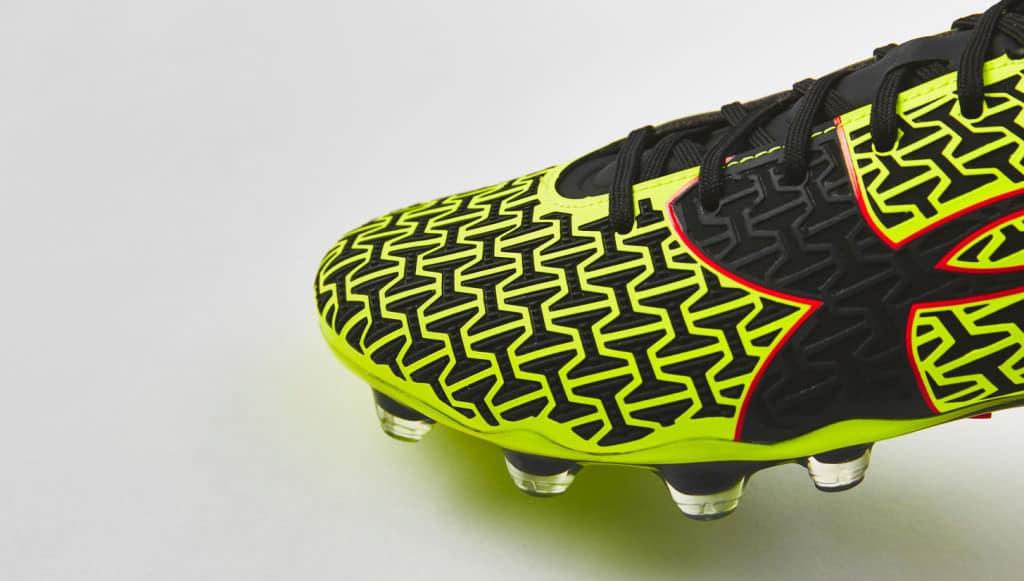 chaussure-football-ua-clutchfit-jaune-3