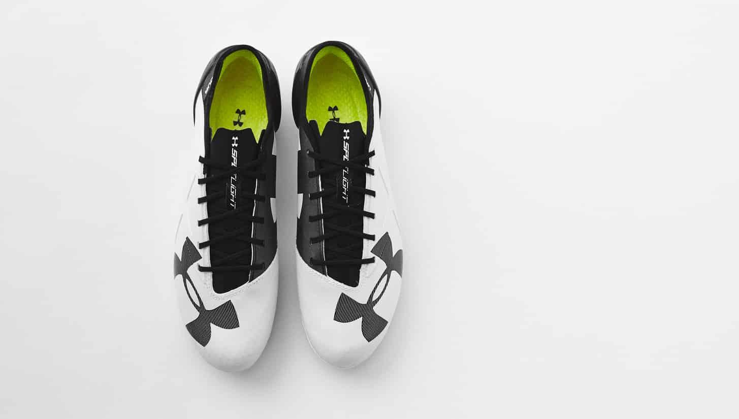 chaussure-football-ua-spotlight-noir-blanc-2