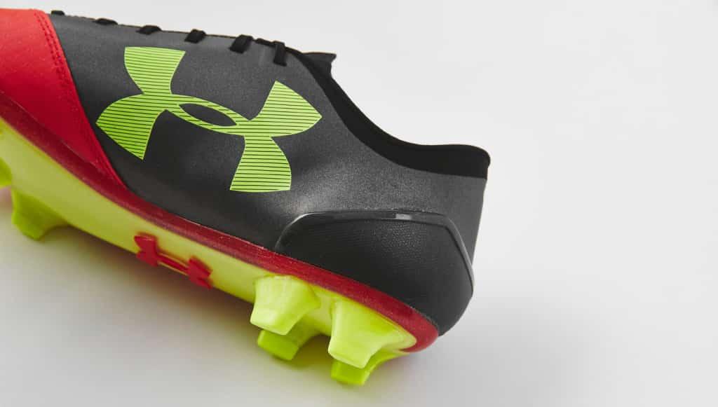 chaussure-football-under-armour-spotlight-rouge-2