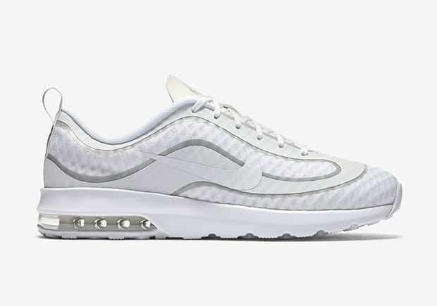 chaussure-nike-air-max-ronaldo-blanche