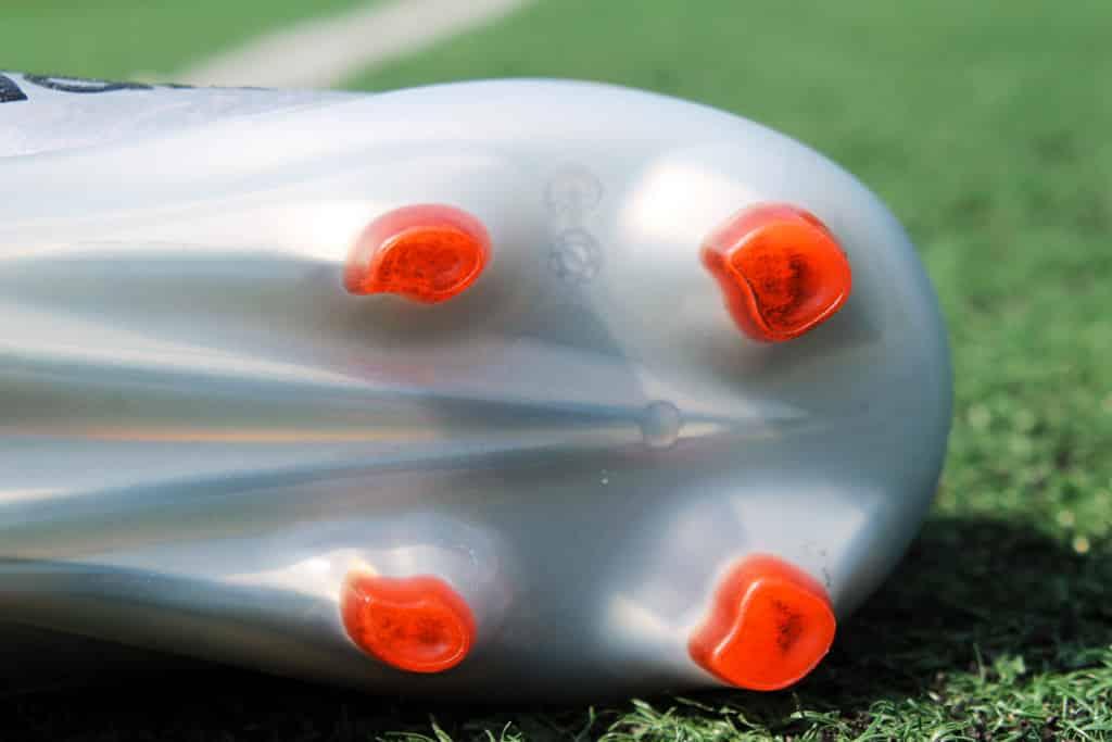 chaussures-football-adidas-X16-1-11