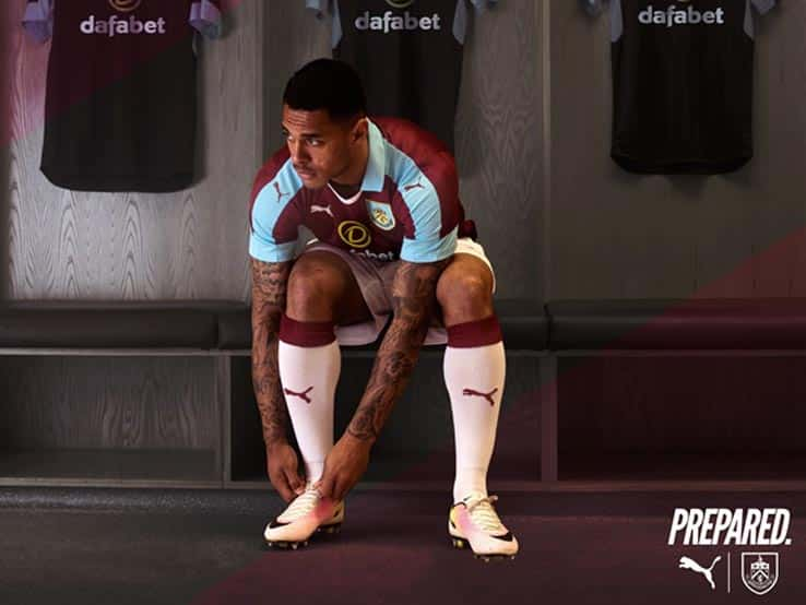 maillot-domicile-burnley-2016-2017-puma-2