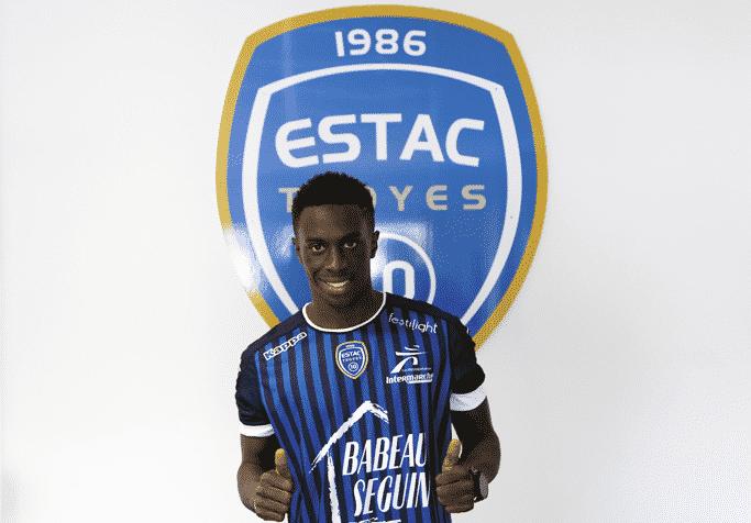 maillot-domicile-troyes-estac-2016-2017
