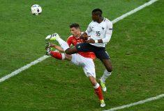 Image de l'article Mais pourquoi l'Equipe de France a joué avec un maillot tout blanc ?
