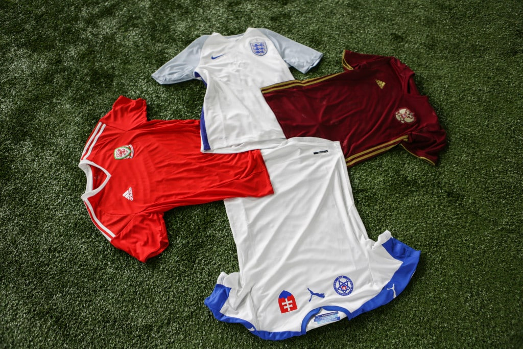 maillots-football-groupe-B-2